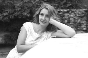 Runoilija Carolina Pihelgas