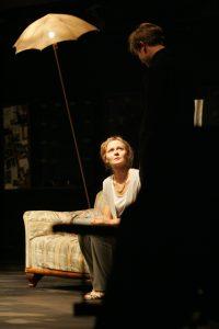 Kuvassa Sandra Uusberg Tallinnan kaupunginteatterista.