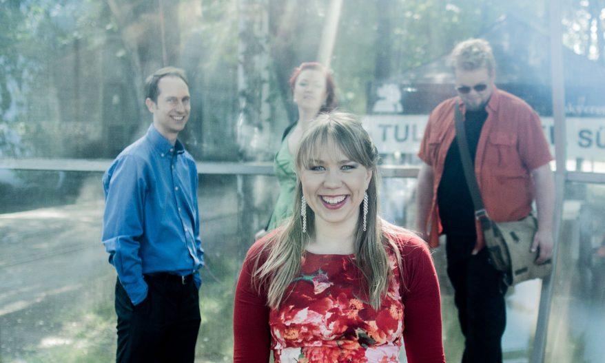 Kuvassa virolainen folkyhtye Mari Kalkun & Runorun