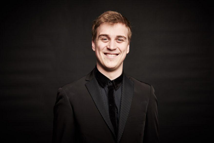 Kuvassa virolainen pianisti Johan Randvere.