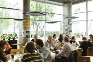 Kuvassa Tallinnan yliopiston kahvila